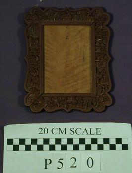 2006.44.943 (RS10440)