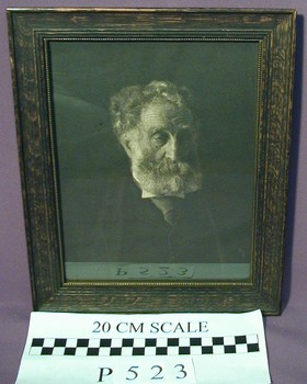 2006.44.946 (RS10448)