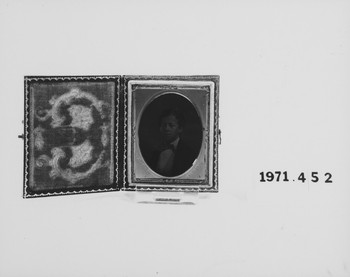 1971.452 (RS116261)