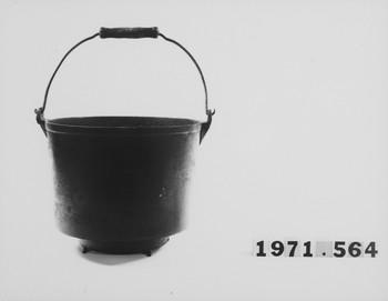 1971.564 (RS116377)
