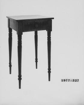 1977.327 (RS116566)