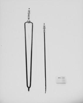 1977.328.1 (RS116567)