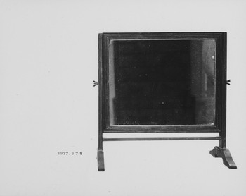 1977.379 (RS116619)