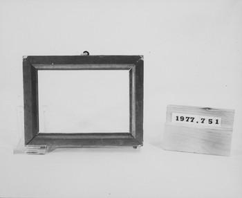 1977.751 (RS117068)