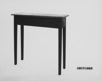 1977.868 (RS117159)