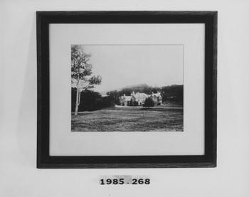 1985.268 (RS117560)