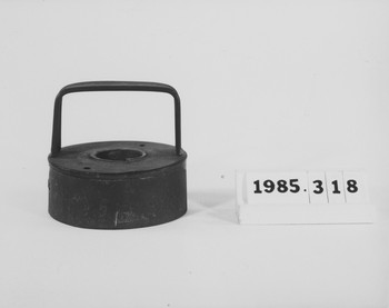 1985.318 (RS117572)
