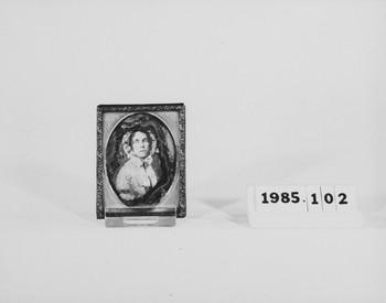 1985.102 (RS118492)