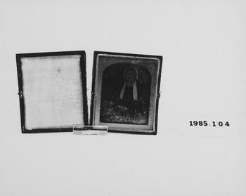 1985.104 (RS118494)