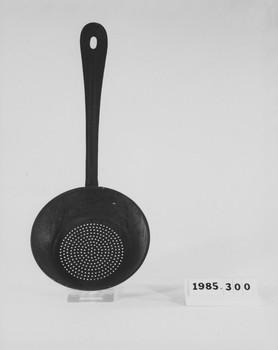 1985.300 (RS118634)