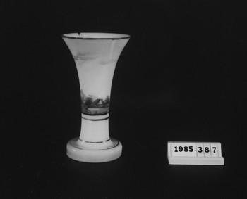1985.387 (RS118696)