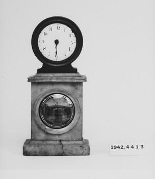 1942.4413 (RS118940)