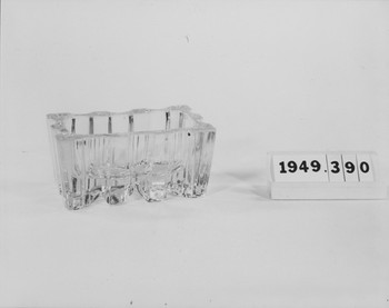 1949.390.1 (RS119509)
