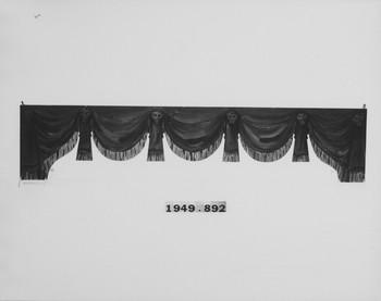 1949.892.2 (RS120000)