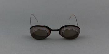 1941.1295.1-.2 (RS219547)